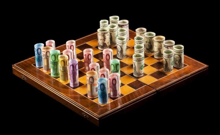 Παιχνίδια τακτικής για το ελληνικό χρέος