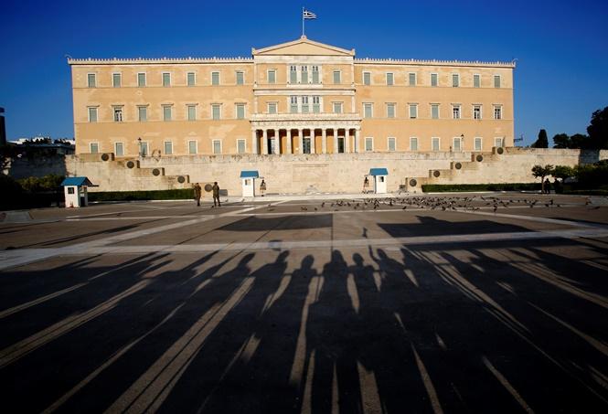 «Ασφυκτιούν» τα ελληνικά νοικοκυριά σύμφωνα με τη Eurostat