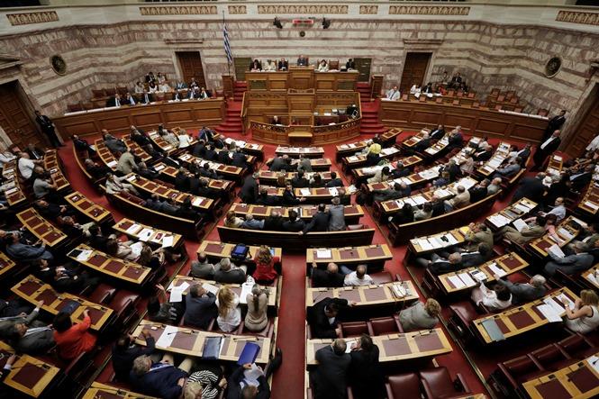 Στη βουλή οι αμοιβές των στελεχών του ΤΧΣ