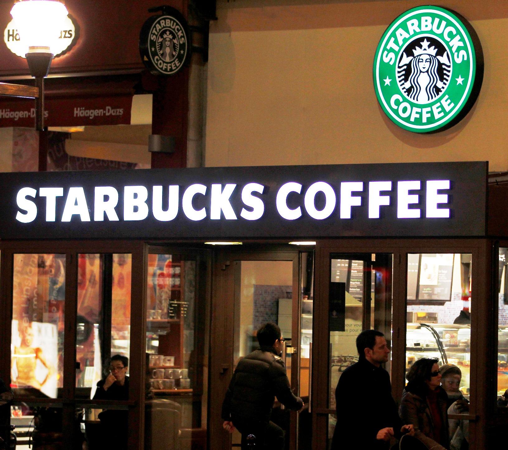Starbucks και ελληνικό γιαούρτι μαζί από το 2014