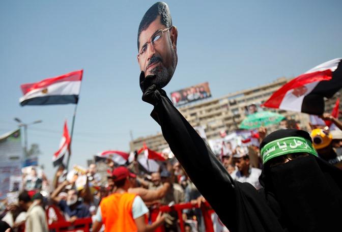 Κρατούμενος για άλλες 15 μέρες ο Μόρσι