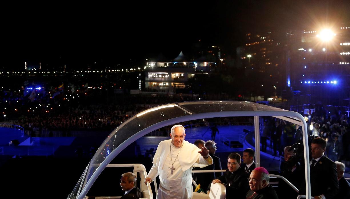 Πάπας Φραγκίσκος στη Κοπακαμπάνα…όπως Μικ Τζάγκερ