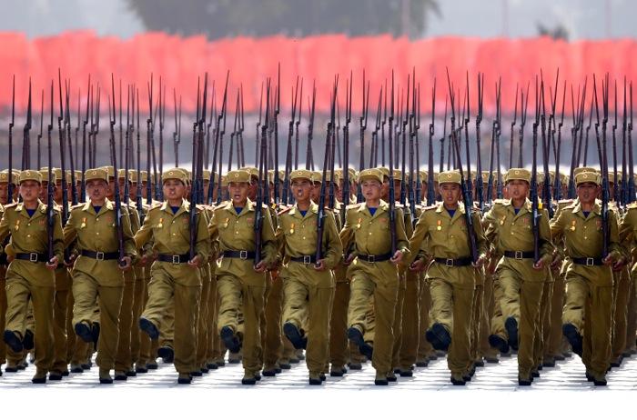 Επίδειξη δύναμης από τη Βόρεια Κορέα