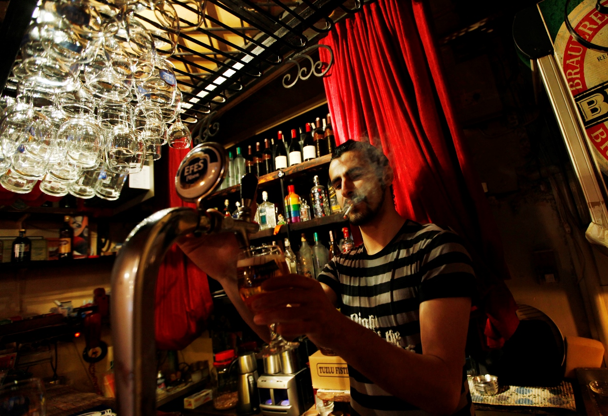 Σε κίνδυνο η τουρκική αγορά αλκοόλ