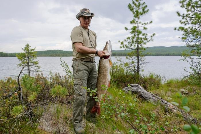 Πούτιν ο δεινός ψαράς και όχι μόνο…