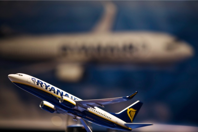Βολές της Ryanair προς «Ελ. Βενιζέλος» και Αegean