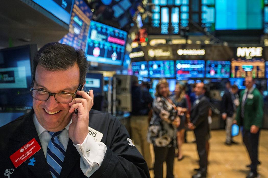 Από ρεκόρ σε ρεκόρ η Wall Street