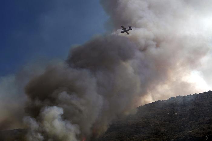 Σε εξέλιξη μεγάλη πυρκαγιά στη Μεσσηνία