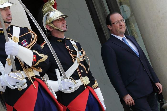 Διακοπές υπό επιτήρηση για τη γαλλική κυβέρνηση