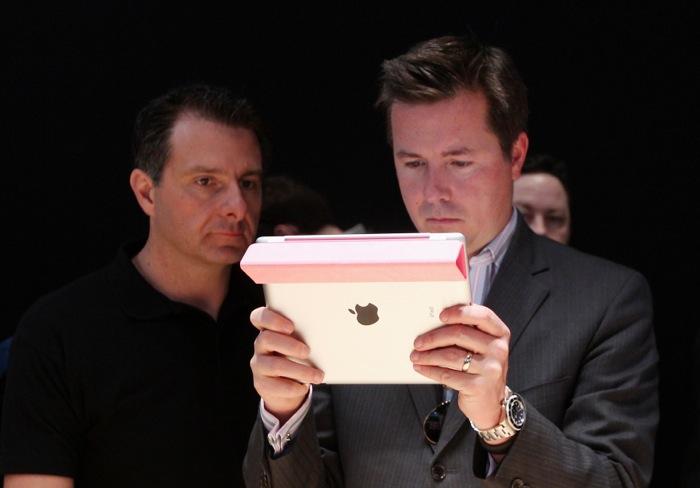 Στα «μαχαίρια» Apple και αμερικανικές αρχές