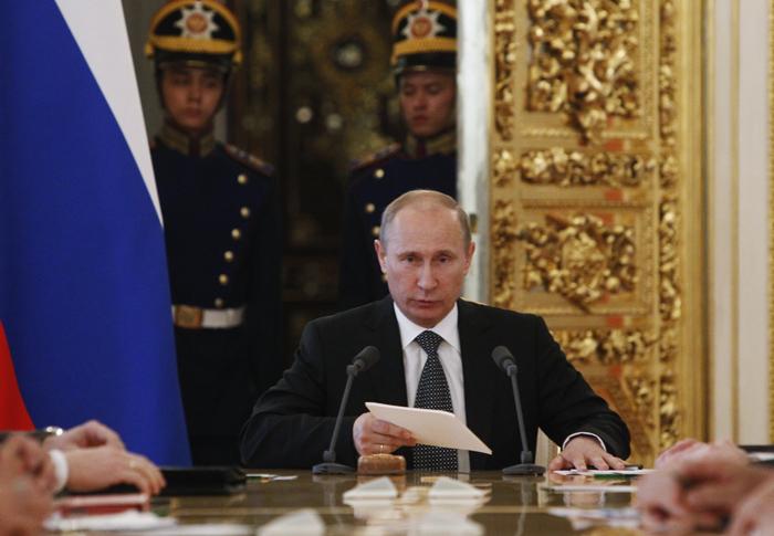 Γεωπολιτικό πόκερ παίζει η Ρωσία