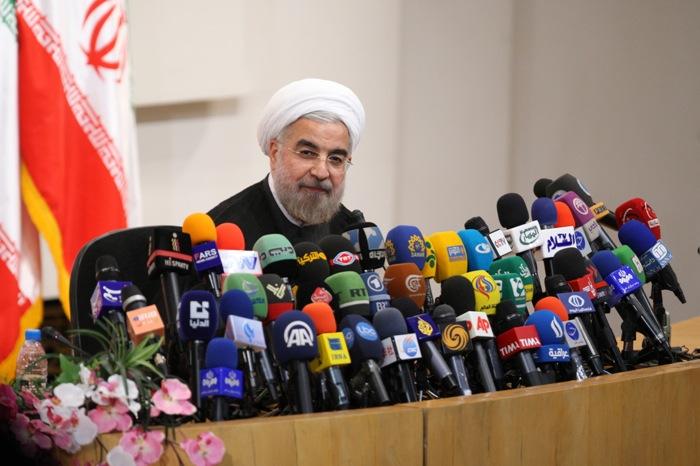 Σεβασμό προς το Ιράν ζήτησε από τη Δύση ο Ροχανί