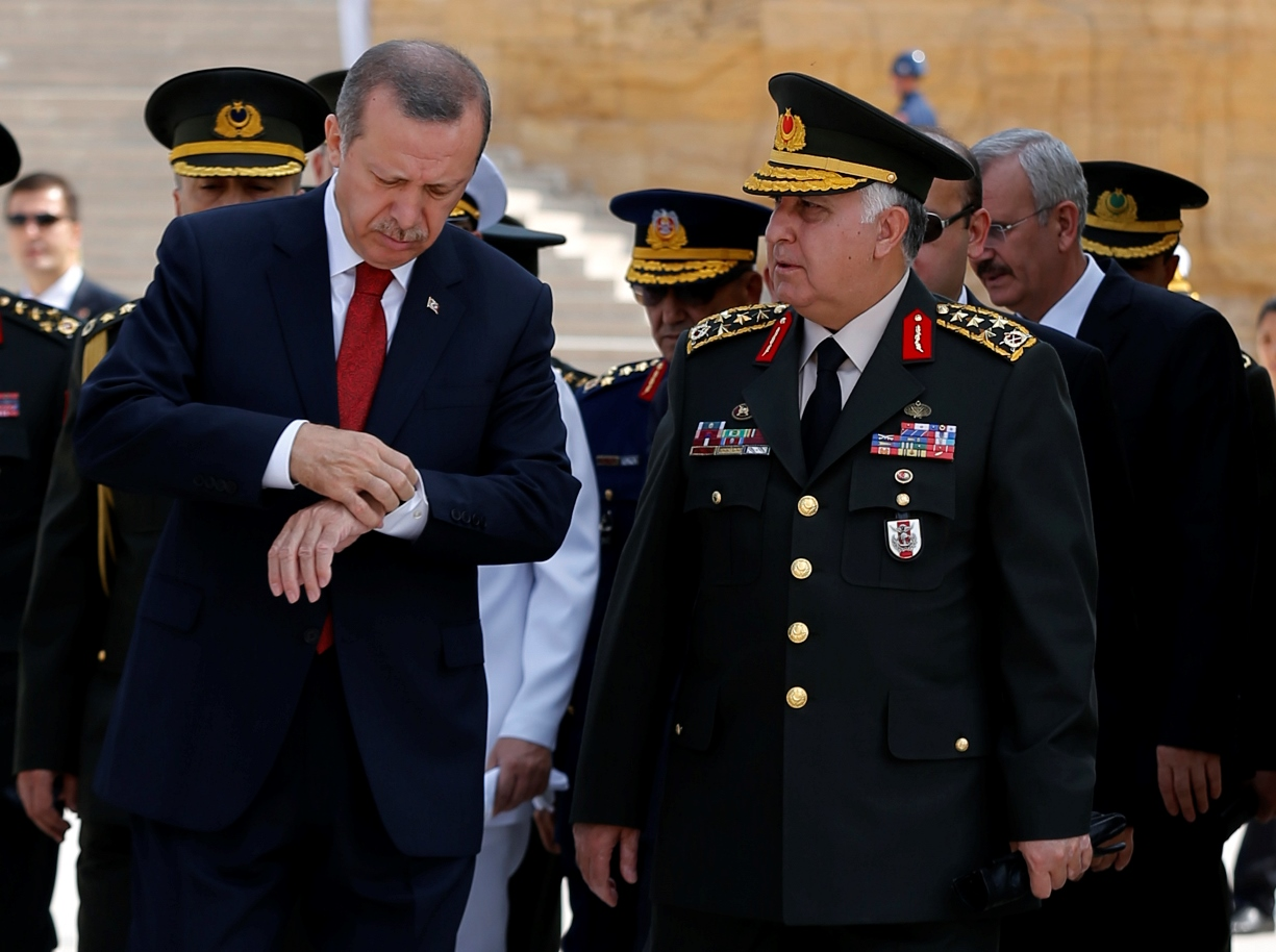 Ο Ερντογάν «κλείνει το μάτι» στους καταδικασμένους στρατιωτικούς
