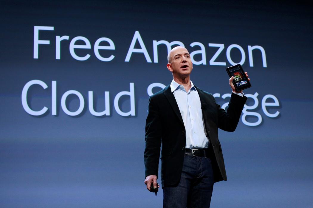 Ο CEO της Amazon εισβάλλει στα μίντια