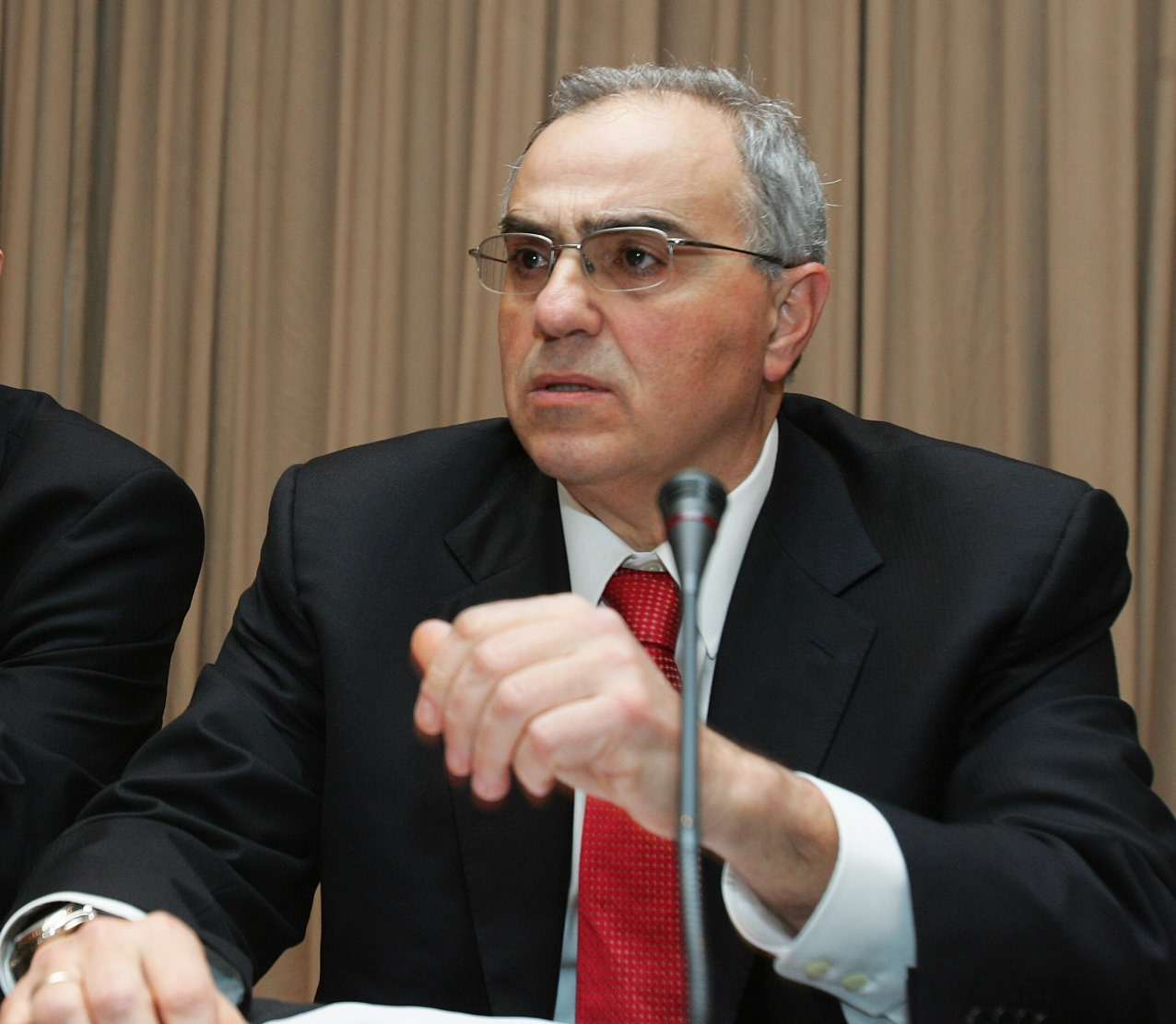Ο κ. Νικόλαος Καραμούζης στην Τράπεζα Πειραιώς