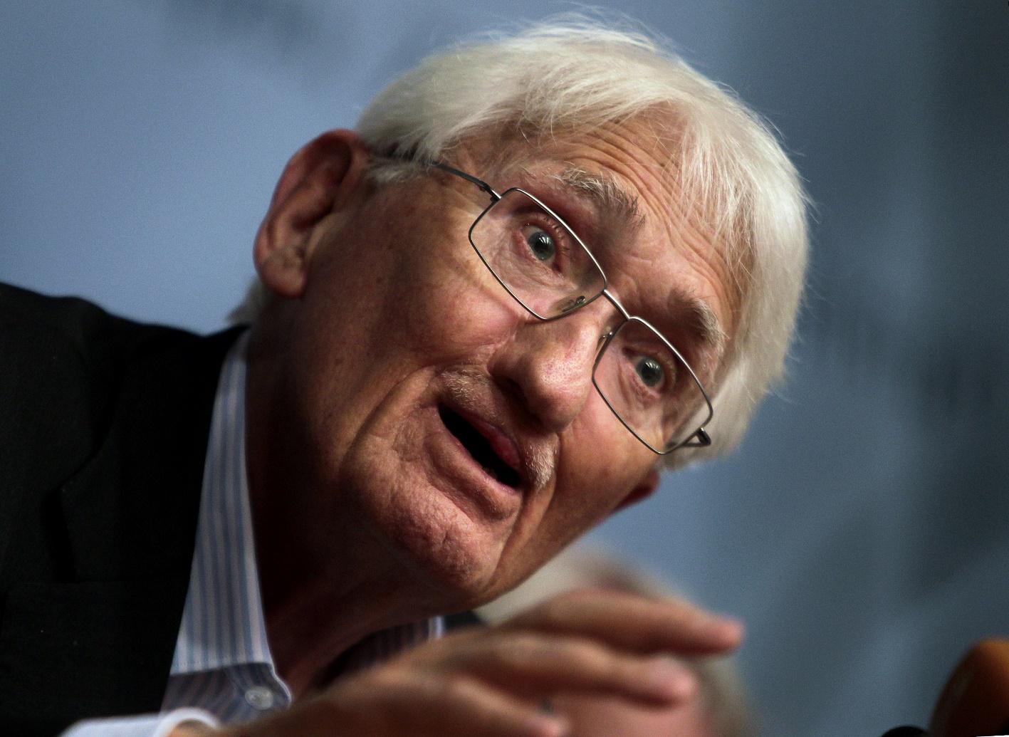 Χάμπερμας: «Η έξοδος της Ελλάδας από το ευρώ δεν είναι λύση»