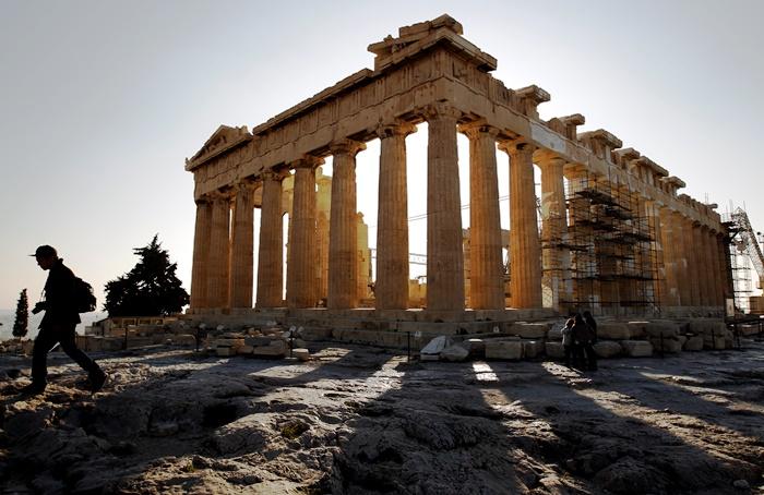 «Το ΑΕΠ της Ελλάδας έχει κολλήσει στην αρχαία Ελλάδα»
