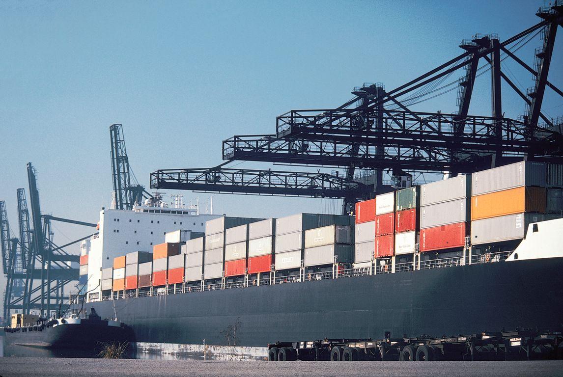 Πιέσεις δέχονται οι ελληνικές εξαγωγές