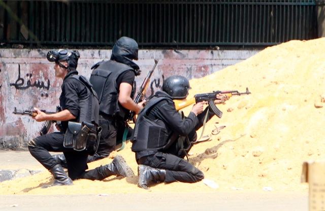 Αίγυπτος: Η αστυνομία έλαβε εντολή να χρησιμοποιήσει πραγματικά πυρά