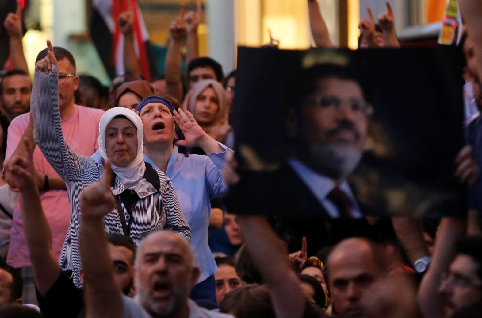 Αίγυπτος: Ακόμα ένα βήμα προς τον εμφύλιο