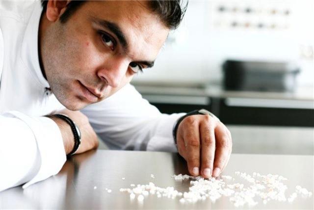 Αστέρι αυτόφωτο – Ο chef Νίκος Καραθάνος στο fortunegreece.com