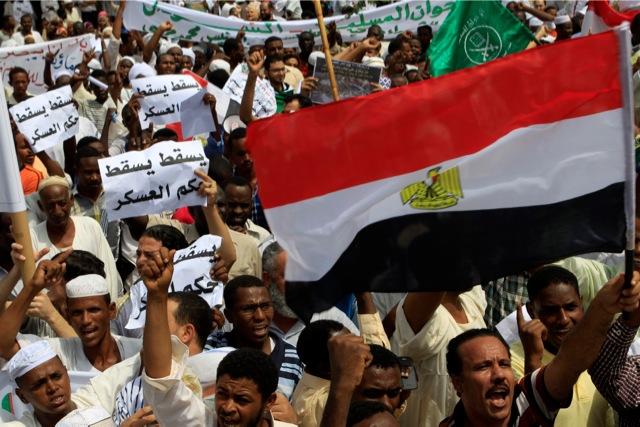 Δεν βλέπουν εμφύλιο οι Έλληνες της Αιγύπτου