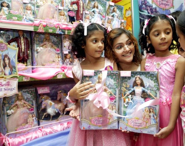 Η Barbie ταξιδεύει στην Ινδία!