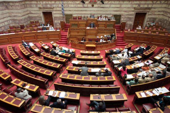 Ένταση στη Βουλή για τους πλειστηριασμούς
