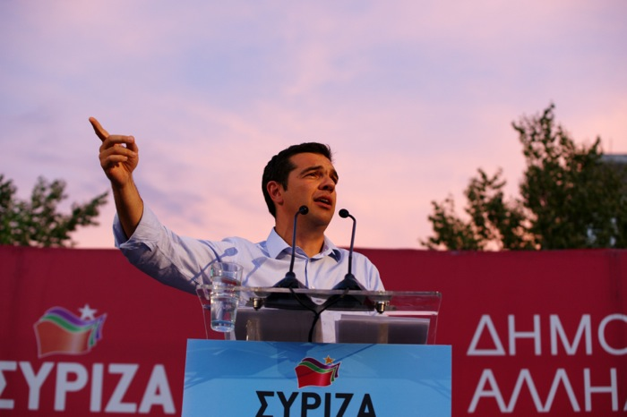 «Σε δημοκρατική εγρήγορση» καλεί ο ΣΥΡΙΖΑ τον ελληνικό λαό