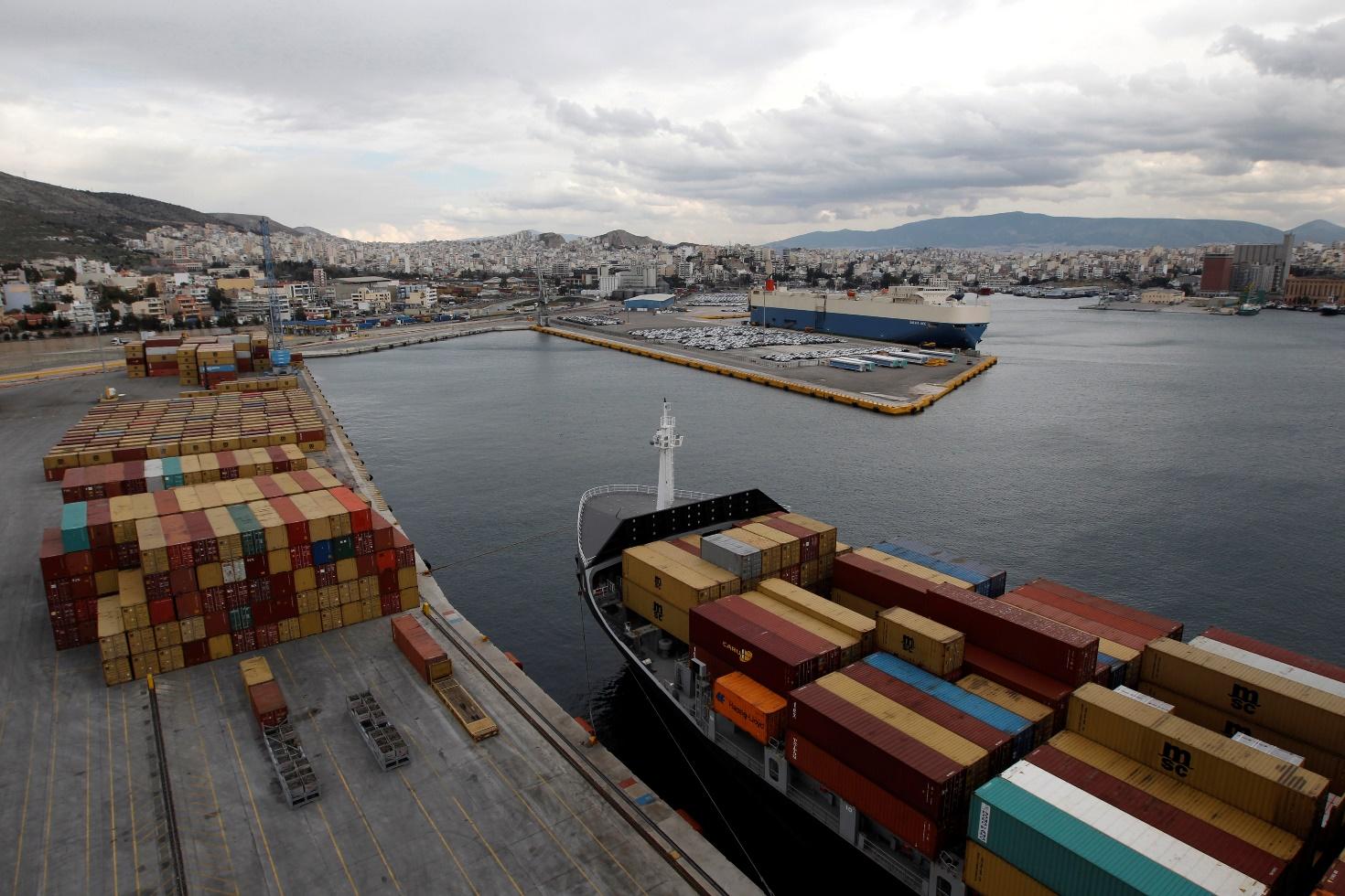 Οριακή βελτίωση των εξαγωγών στο οκτάμηνο του 2013