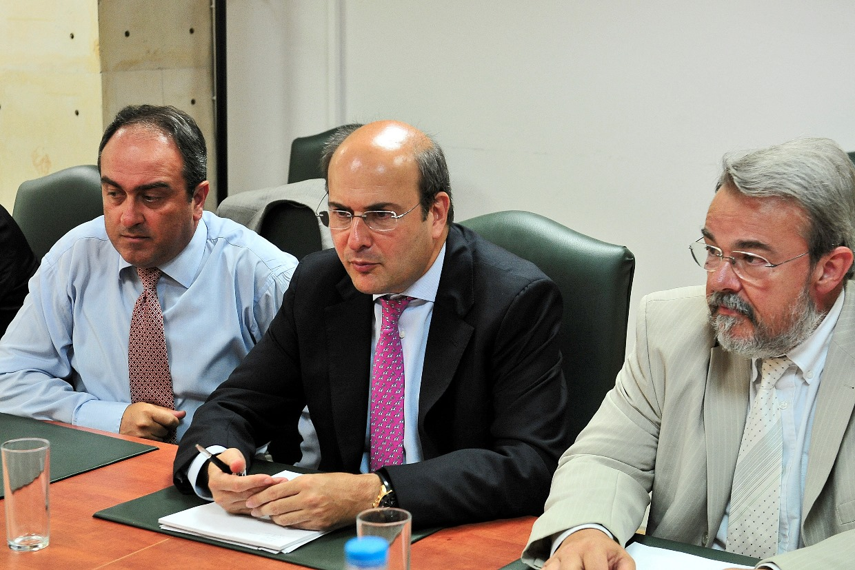 Χατζηδάκης: «Τον Νοέμβριο στο τραπέζι οι πλειστηριασμοί»