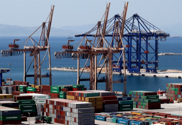 Φιλικός διακανονισμός ΟΛΠ-COSCO για νέες επενδύσεις στο λιμάνι του Πειραιά