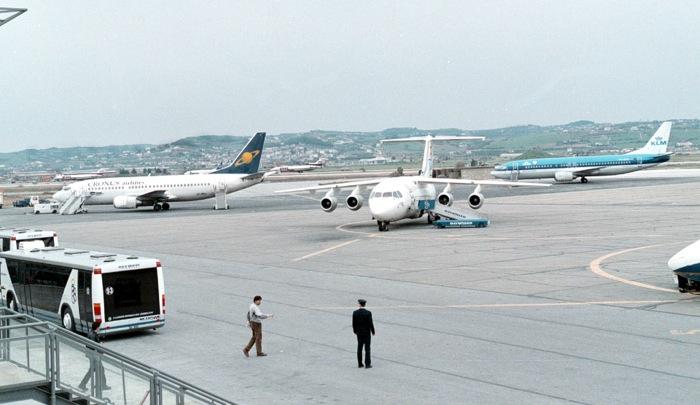 Στην επόμενη φάση και οι τρεις «μνηστήρες» για τα 14 περιφερειακά αεροδρόμια