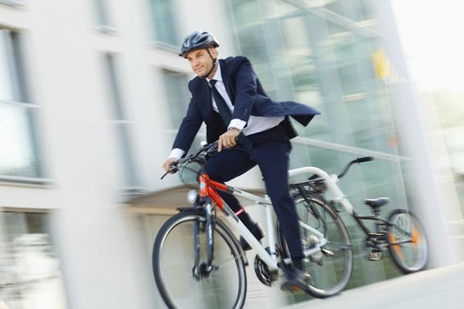 επιχειρηματίας ποδήλατο