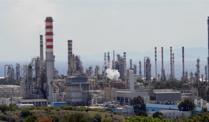 Κάμψη των εσόδων της χημικής βιομηχανίας