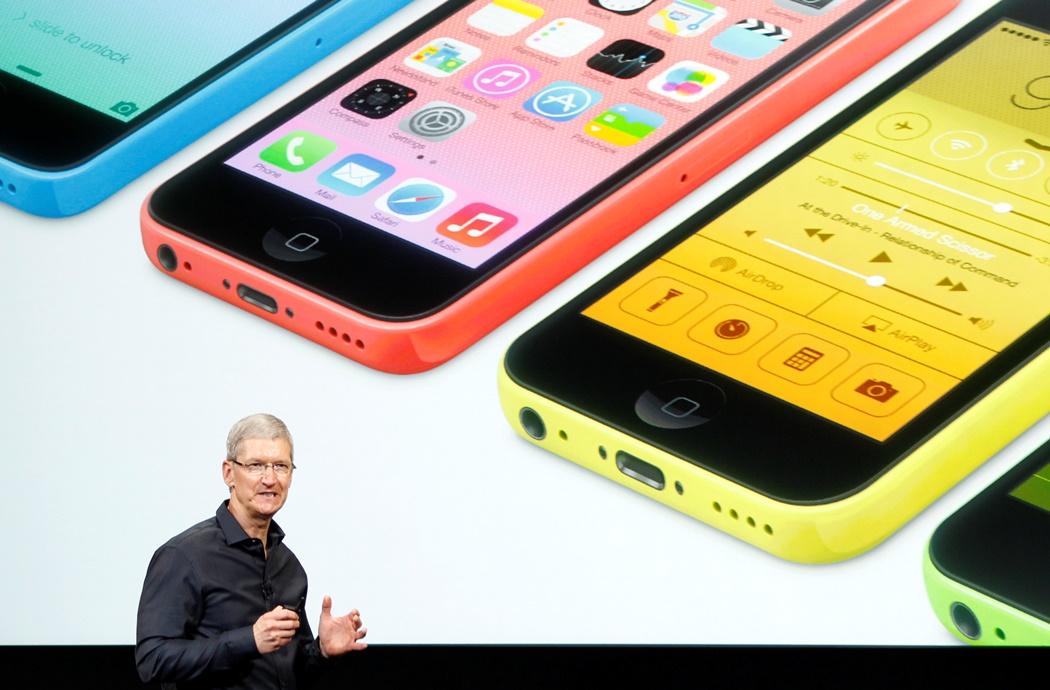 Η νέα «χρυσή» και «πλαστική» εποχή της Apple