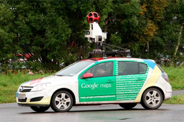 Σε δύο λεοφωρεία κι ένα φορτηγό έπεσε το αυτοκίνητο της Google!