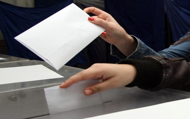 Τζιτζικώστας και Μπέος κερδίζουν τους ψηφοφόρους