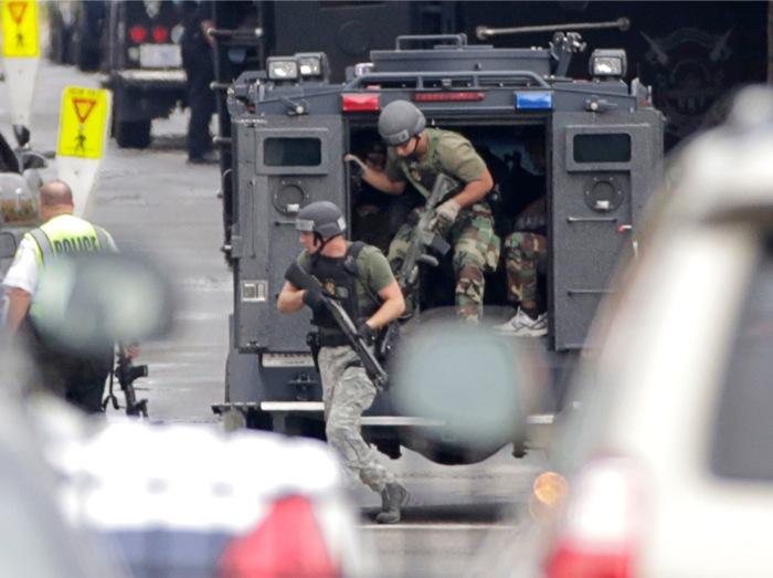 Τουλάχιστον 12 νεκροί στο μακελειό της ναυτικής βάσης της Ουάσινγκτον
