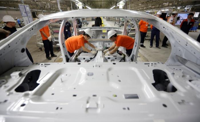 Μείωση κατά 4,9% στις πωλήσεις αυτοκινήτων στην Ευρώπη