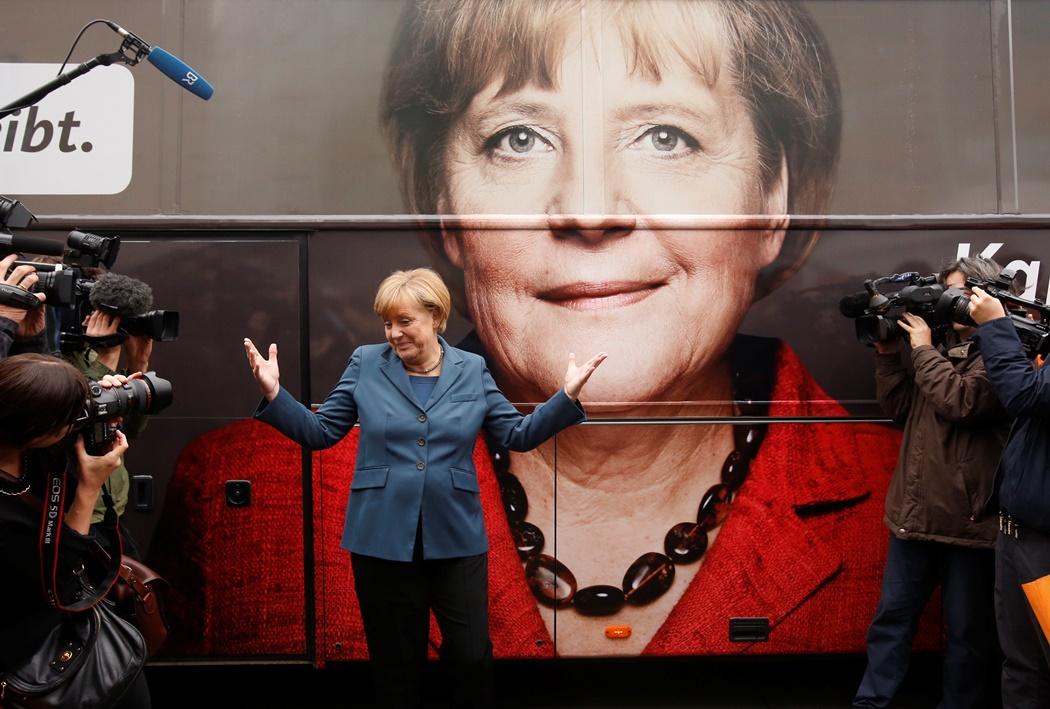 Ο καταποντισμός των Φιλελεύθερων «κόβει» τη φόρα της Μέρκελ