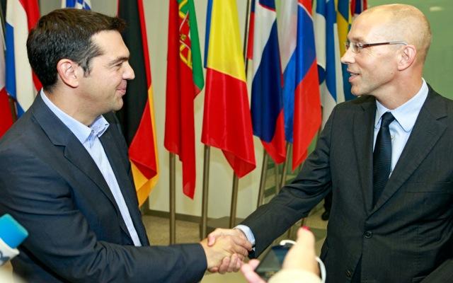 Στήριξη του προγράμματος ζήτησε ο Άσμουσεν από τον Τσίπρα