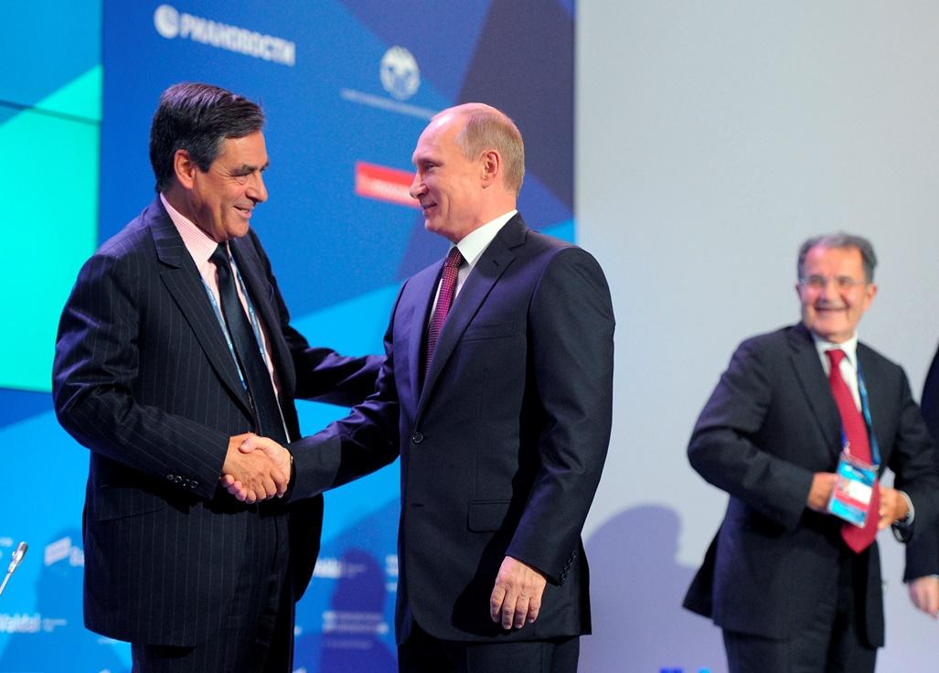 Δεν αποκλείει νέα υποψηφιότητα ο Πούτιν