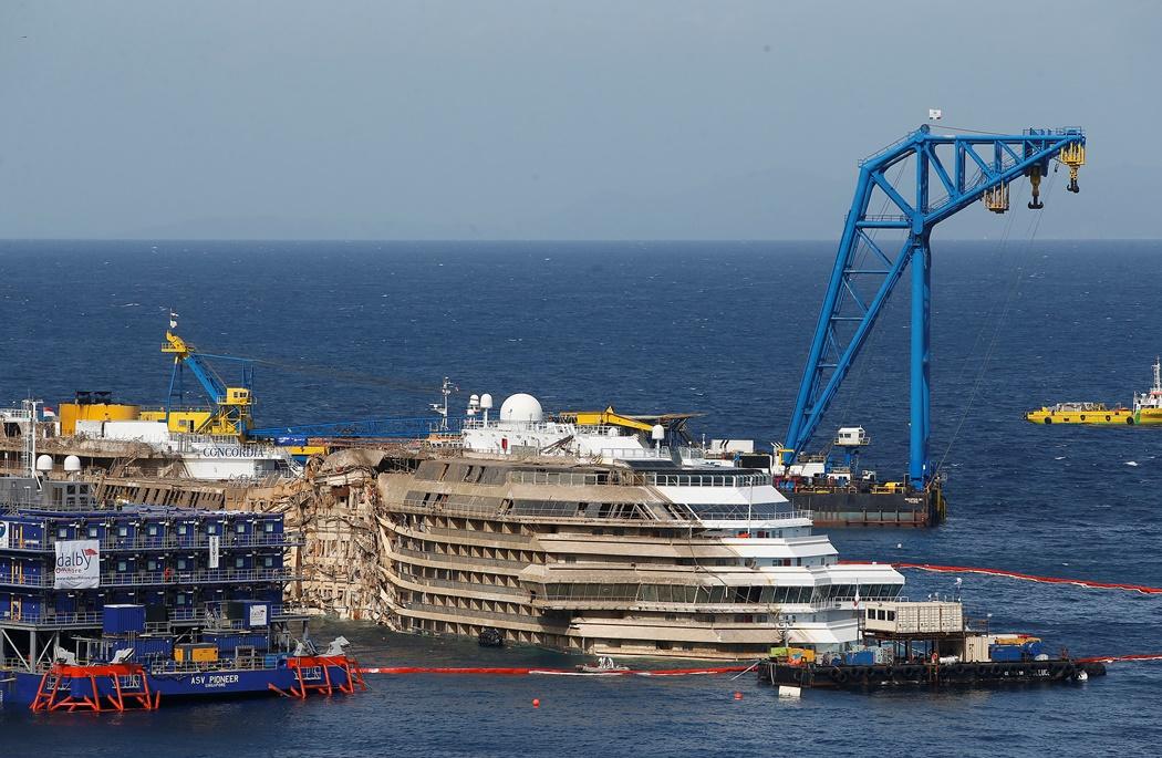 Δείτε live την ανέλκυση του Costa Concordia