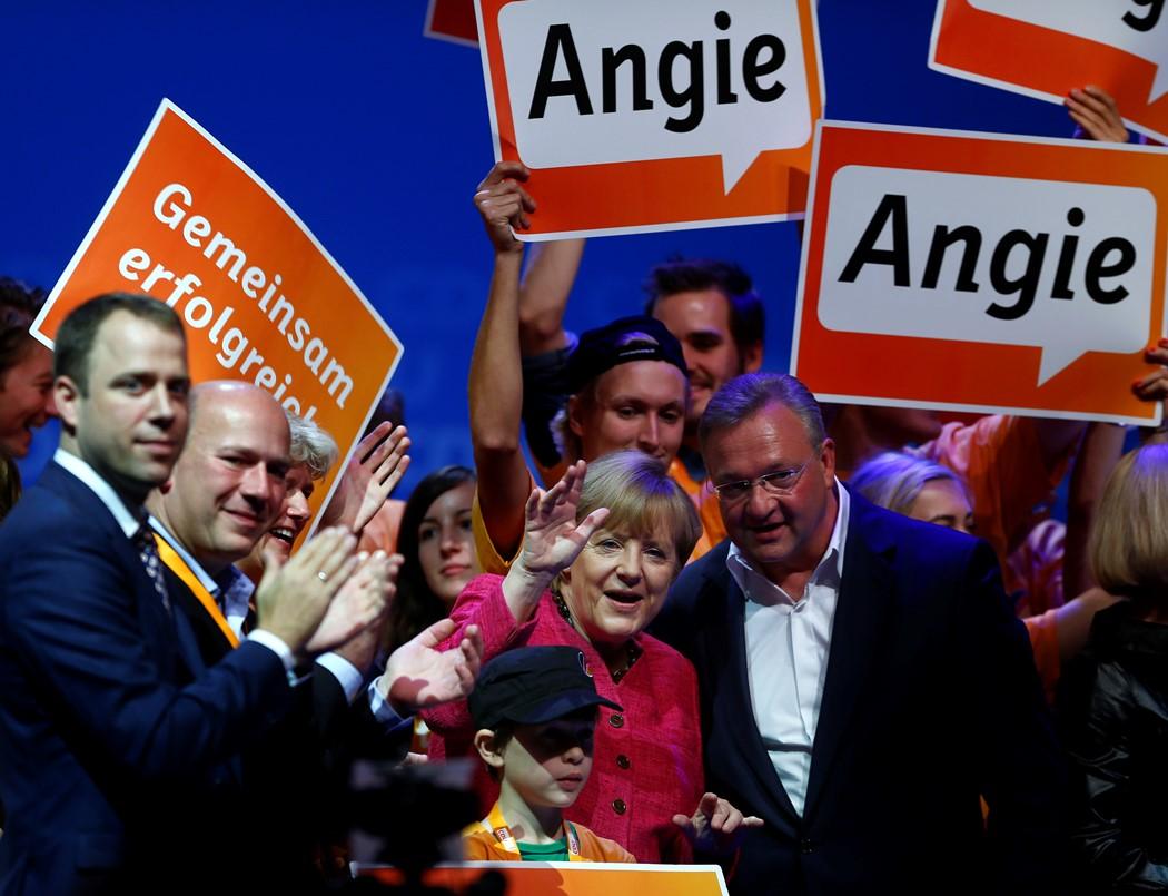 Ισχυρή εντολή ζητά η Άνγκελα Μέρκελ