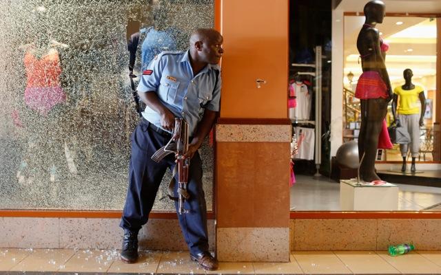 Συνεχίζεται η πολιορκία στο εμπορικό κέντρο Westgate του Ναϊρόμπι