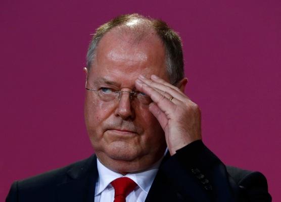 Παραιτείται από όλα τα αξιώματά του στο SPD ο Στάινμπρουκ(;)