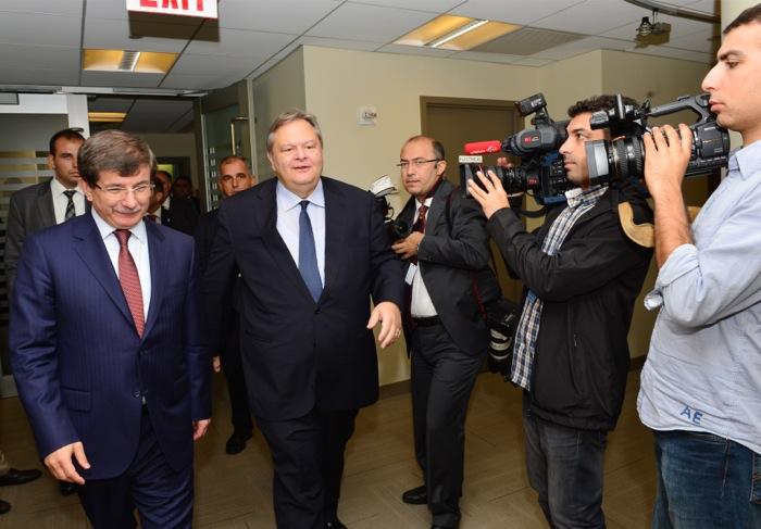 Βενιζέλος: «Καμία αναφορά σε τετραμερή διάσκεψη για την Κύπρο»