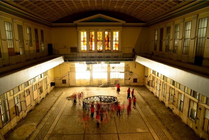 H 4η Athens Biennale στο πρώην χρηματιστήριο της Σοφοκλέους