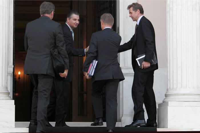 Μόνο για τον προϋπολογισμό του 2013 συμφώνησαν τρόικα-Στουρνάρας